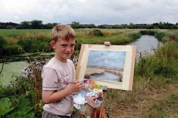 Niño es millonario gracias a sus pinturas