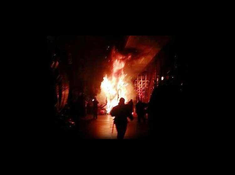 Reina del carnaval grave al quemarse su traje con la pirotecnia