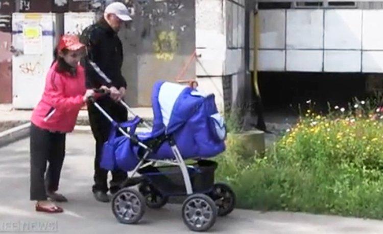 Joven con parálisis toda la vida en silla de ruedas empezó a caminar tras dar a luz