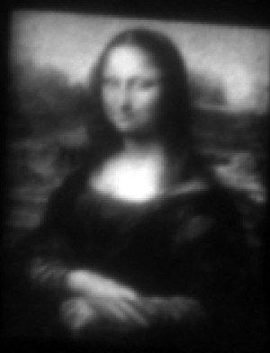 'Mini Lisa': los investigadores de Georgia Tech crean la reproducción de da Vinci más pequeña del mundo