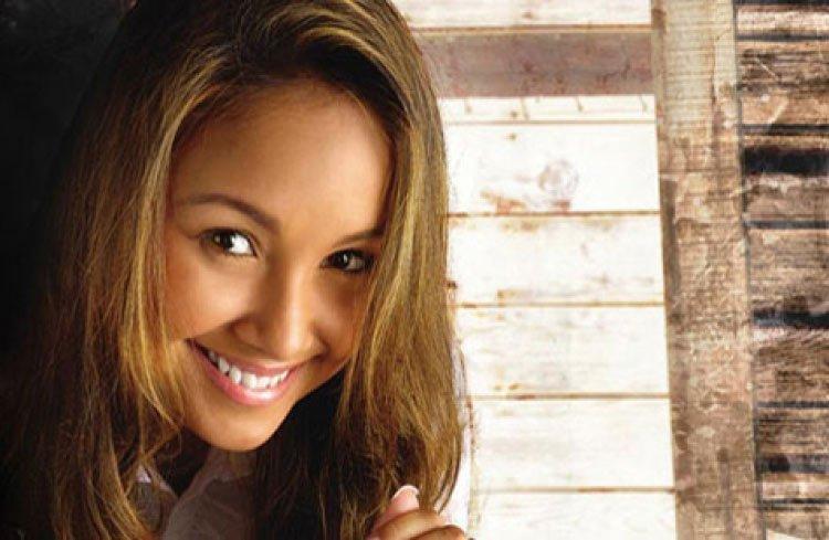 Bruna Karla - Soy humano – Sou humano – más de 37 millones de veces visto en YouTube