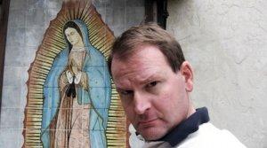 Ex estrella del porno gay da testimonio de conversión y dice que las iglesias deben aprender a escuchar a los homosexuales