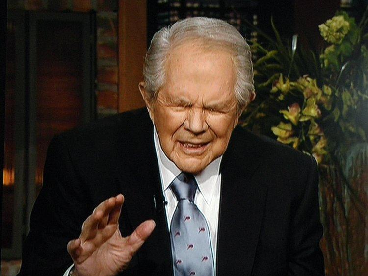 Pat Robertson rechaza el Creacionismo joven