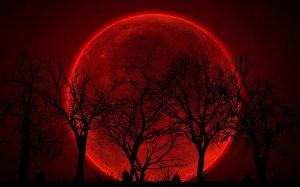 las Cuatro Lunas Rojas de Sangre
