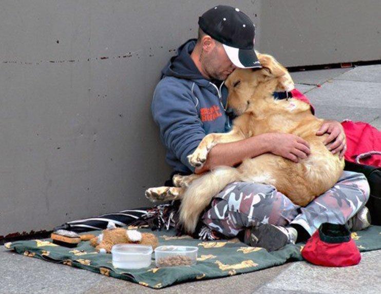 Buenos Samaritanos rescatan a un hombre sin hogar