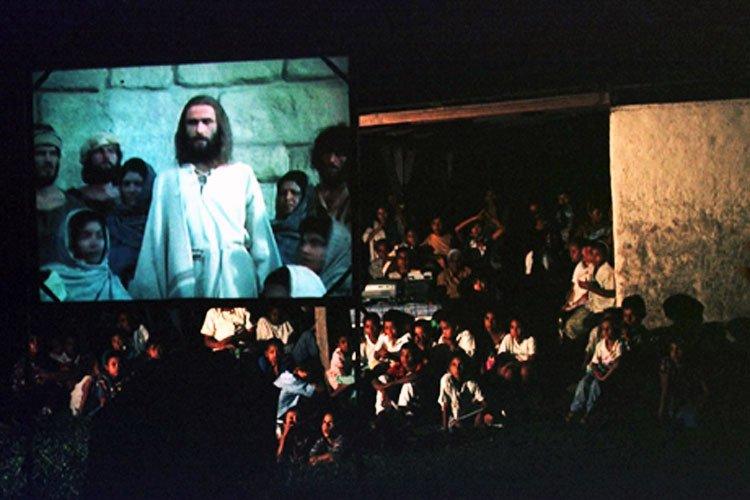 Cientos de Mayas se hacen cristianos por película