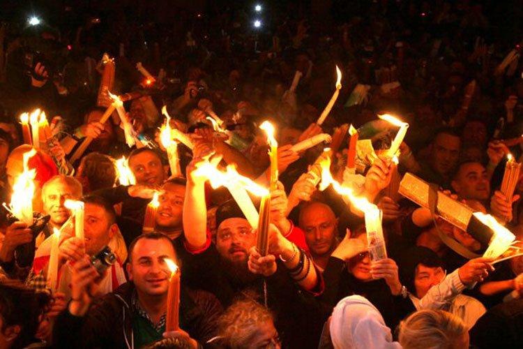 El «milagro» del Fuego Santo en Jerusalén