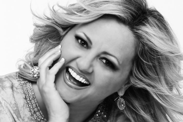 Because Of Who You Are Interpretada Por Vicki Yohe