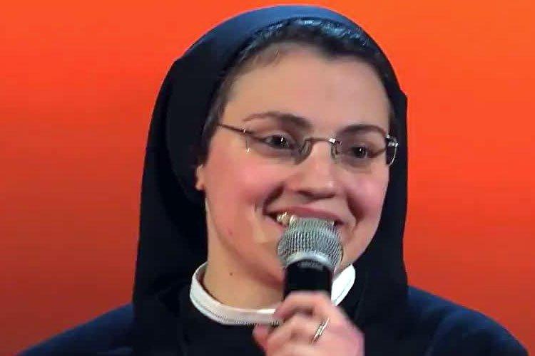Cristina Scuccia es la monja que compite en la Voz de Italia