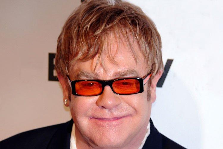 Cuando Elton John dijo que Jesús era Gay