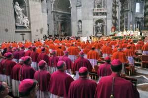 Cuánto ganan cardenales y obispos