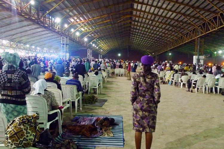Iglesias católicas y anglicanas en Nigeria