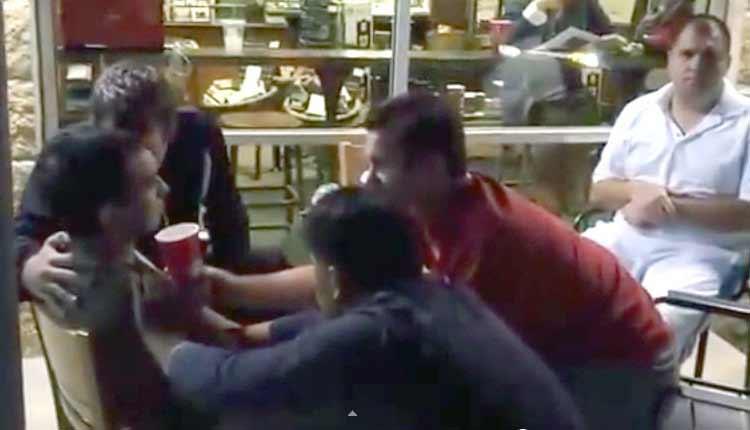 Realizan intento de exorcismo en un Starbucks