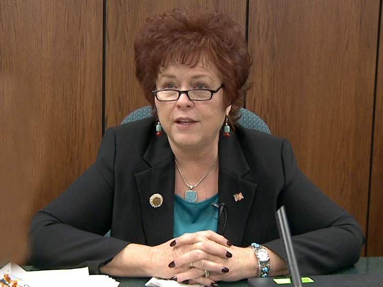senadora estatal Sylvia Allen