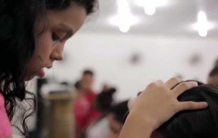 Fenómeno predicadores-sanadores niños en Brasil