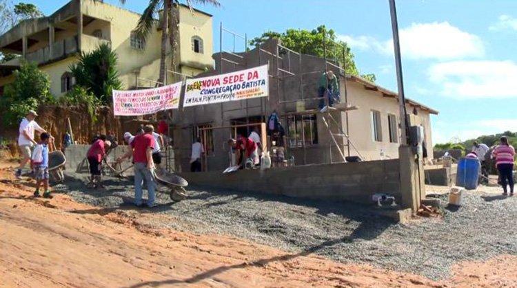 Grupo de misioneros construye iglesias en 7 días