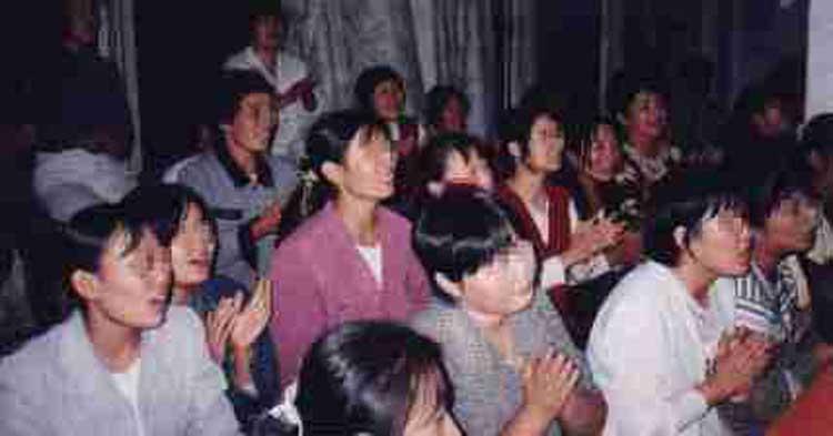 China: cristianos oran 24 horas al día