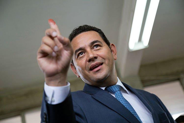 Guatemala elige a cómico cristiano como presidente