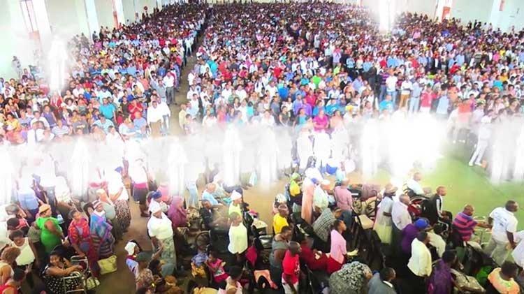 Ángeles aparecen en la iglesia