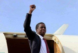 Presidente que dedica país a Dios es criticado