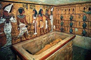 La tumba de Tutankamón está llena de tesoros