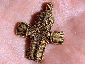 Antiguo crucifijo que puede cambiar la historia