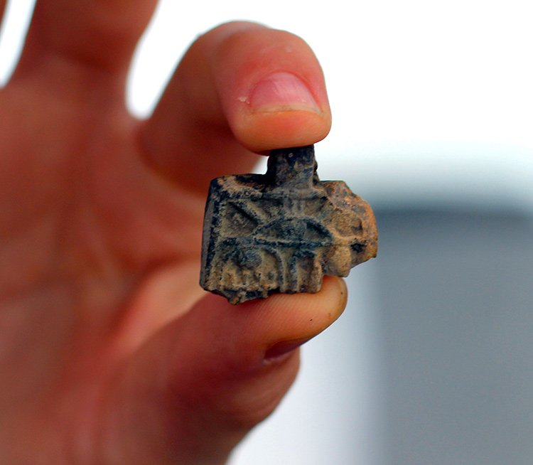 Niña descubre un antiguo amuleto egipcio en Jerusalén