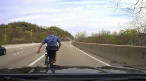 Policía salvó a un suicida de saltar un puente