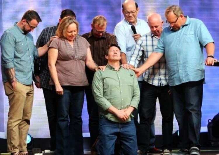 Después de 30 años en prisión, se convierte en pastor
