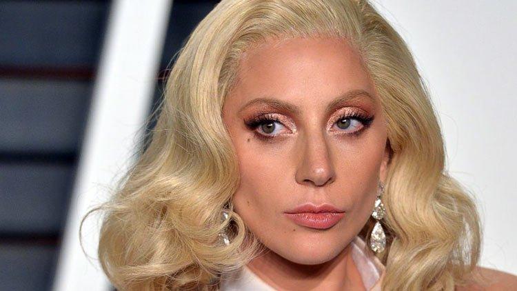 Lady Gaga dice: somos pecadores y Dios no es moda