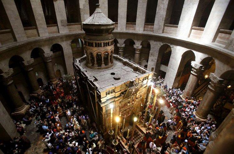 La tumba de Jesús en Jerusalén en restauración