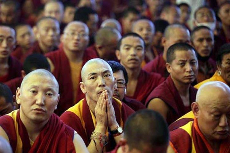 62 monjes budistas deciden seguir a Jesús