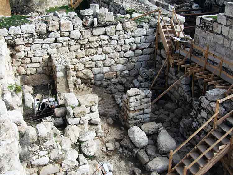 Arqueólogos encuentran el Palacio de Salomón