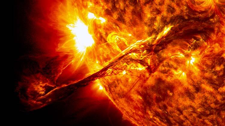 Obama prepara a la nación para una emergencia solar