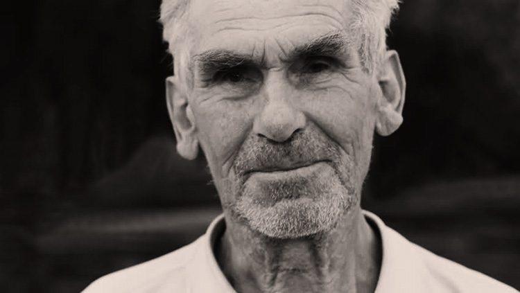 Pastor de 98 años dice cuál es la mejor inversión