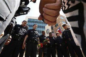 La oración del policía que todos necesitamos orar