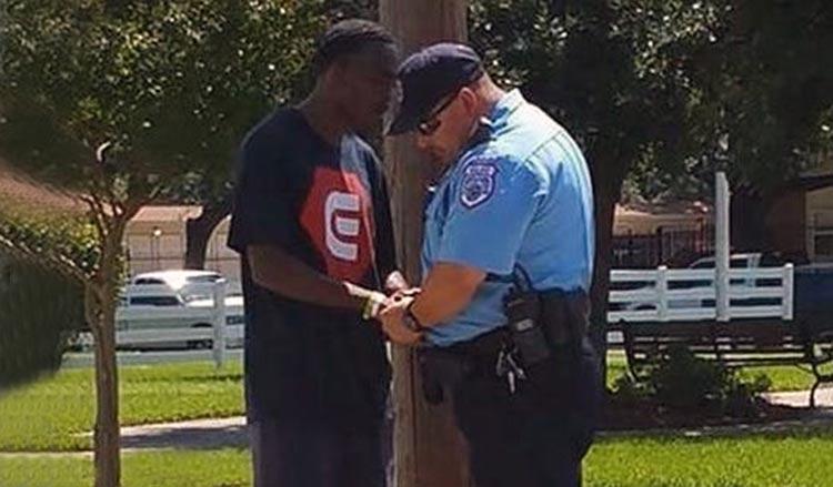 Policía ora y evangeliza jóvenes delincuentes
