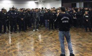 Policía de Sao Paulo, Brasil ora 24 horas seguidas