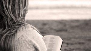 Musulmán asesinó su esposa por leer la biblia