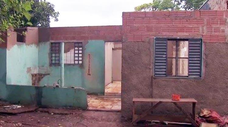 Iglesia remodela casas de familias necesitadas