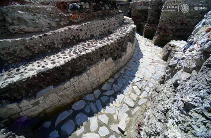 Hallan 1º templo de la historia del futbol en México