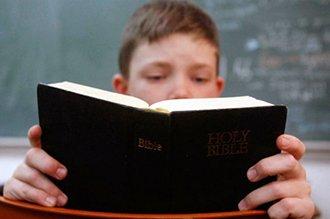 Dona 1 millón para enseñar la biblia en escuelas
