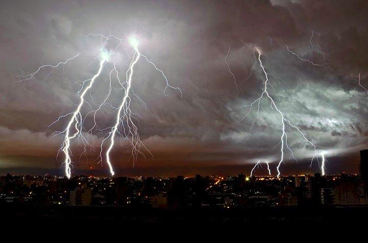 7 Razones porqué Dios no para la tormenta