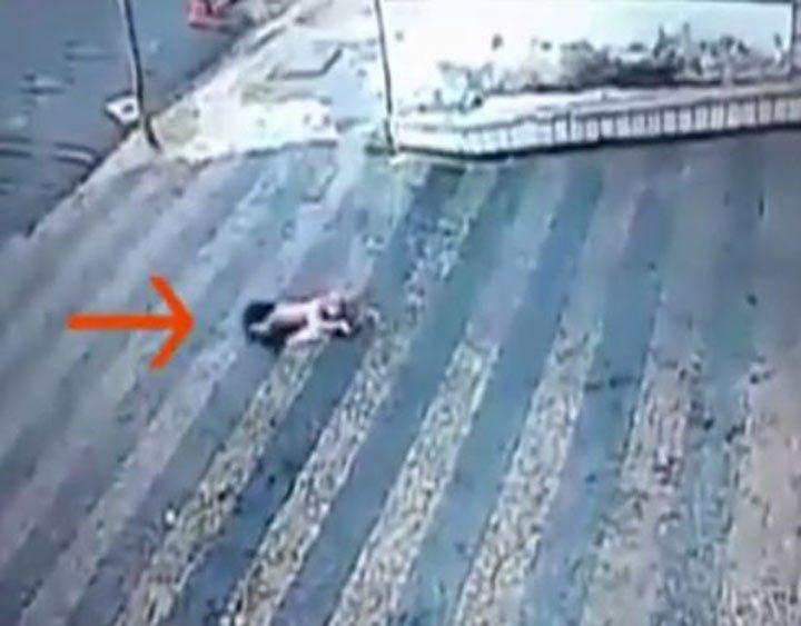Milagro: bebé cae del 3º Piso y sobrevive