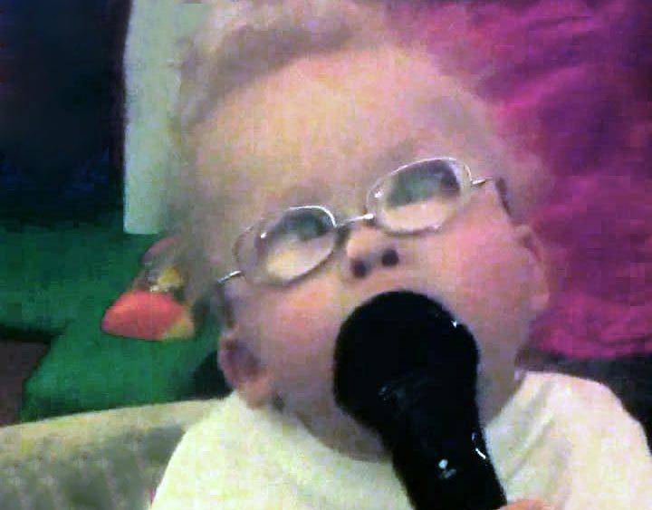 Bebé incapacitado alaba a Dios antes de poder hablar