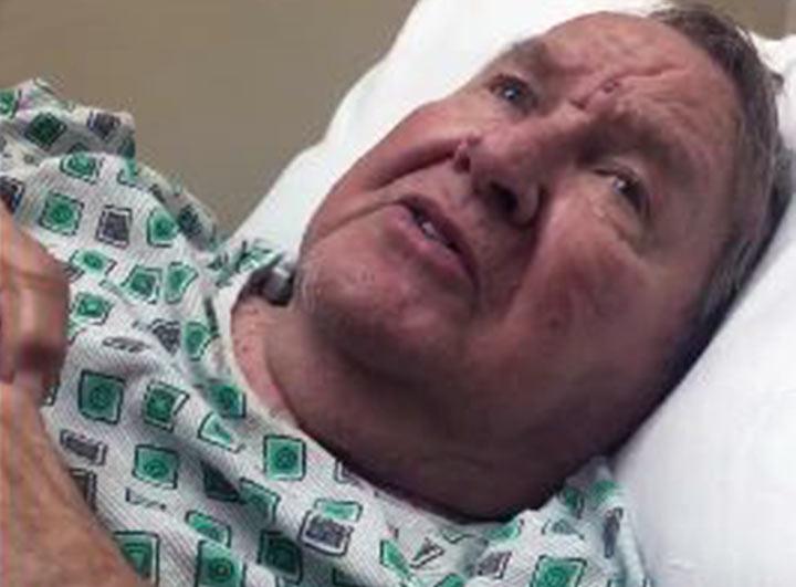 Al oír su himno favorito un anciano con Alzheimer se recupera