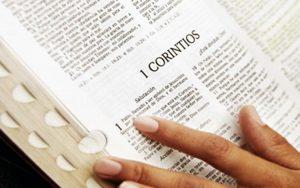Cómo leer la biblia - 4 pasos eficaces para hacerlo este año
