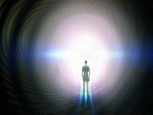 Experiencia cercana a la muerte - Profesor ateo se convierte después de estar en el infierno