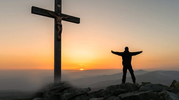 """Ladrón baleado pide y recibe la oración del pastor antes de morir: """"quería reconciliarse"""""""