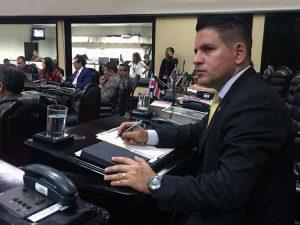 Candidato evangélico encabeza las elecciones presidenciales en Costa Rica